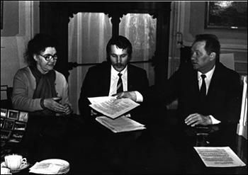 Лидия Ивановна Иовлева при подписании договора